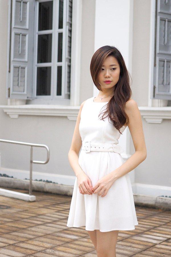MADEBY3INUTE - Brooklyn Tweed Dress in White