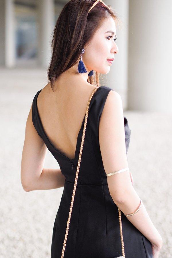 Evaleen Low Back Dress in Black [S]