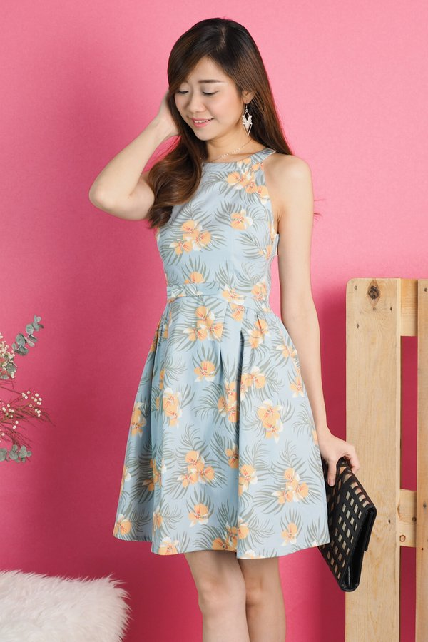 Kailey Neck Ring Bow Dress in Tropical Floral [S]