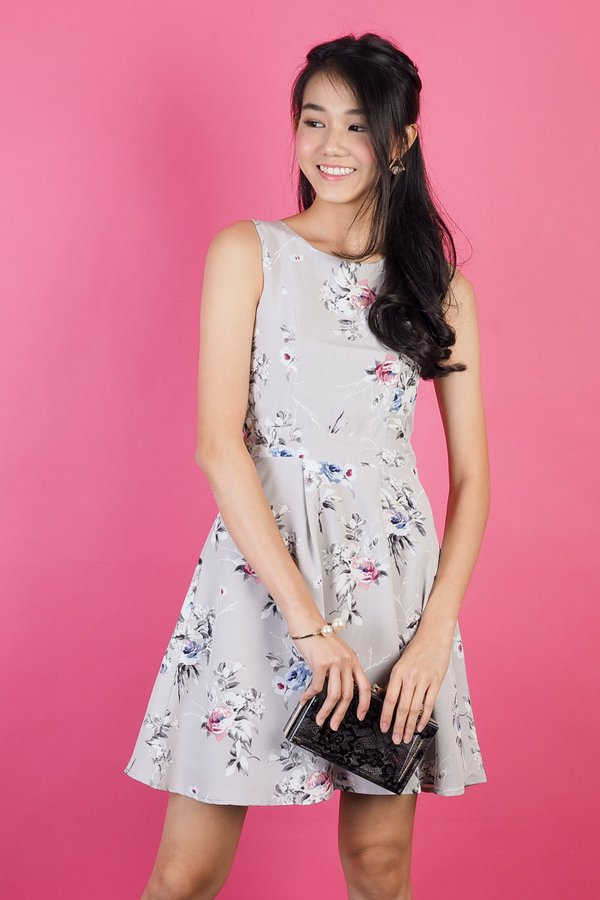 Arianna Floral Dress in Grey [XS]