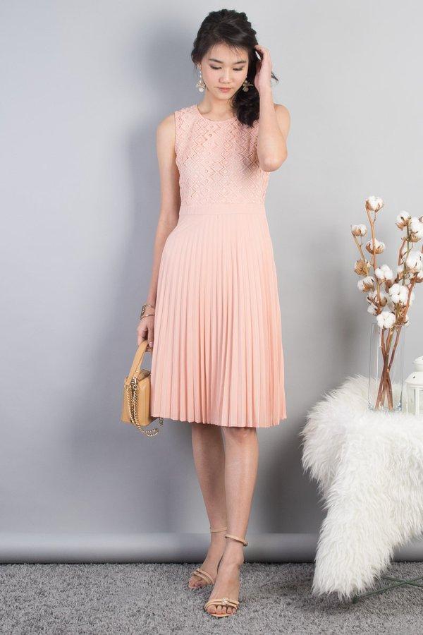 Navyaa Crochet Panel Pleat Dress in Peach [L]