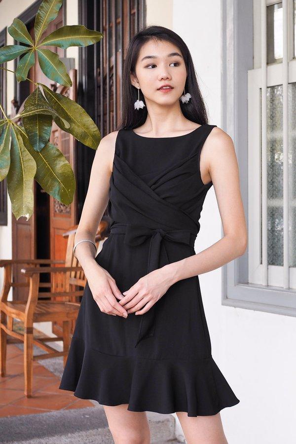 Mika Chest Wrap Dress in Black [L]