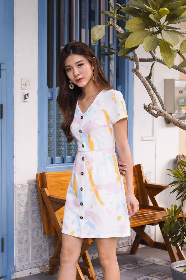 BACK IN STOCK Rayna Buttons Down Sleeved Dress in White Abstract [M]