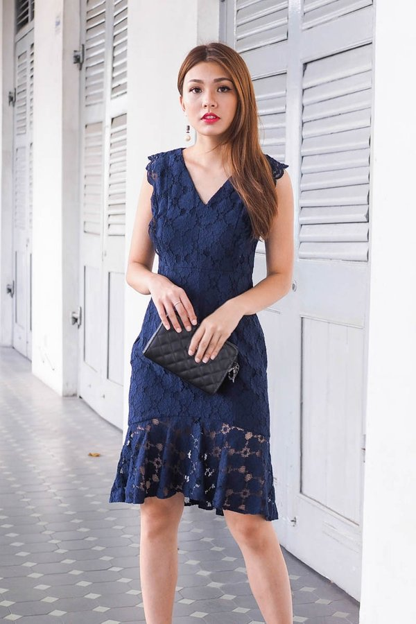Sawyer Lace Panel Fishtail Dress in Navy [XS]