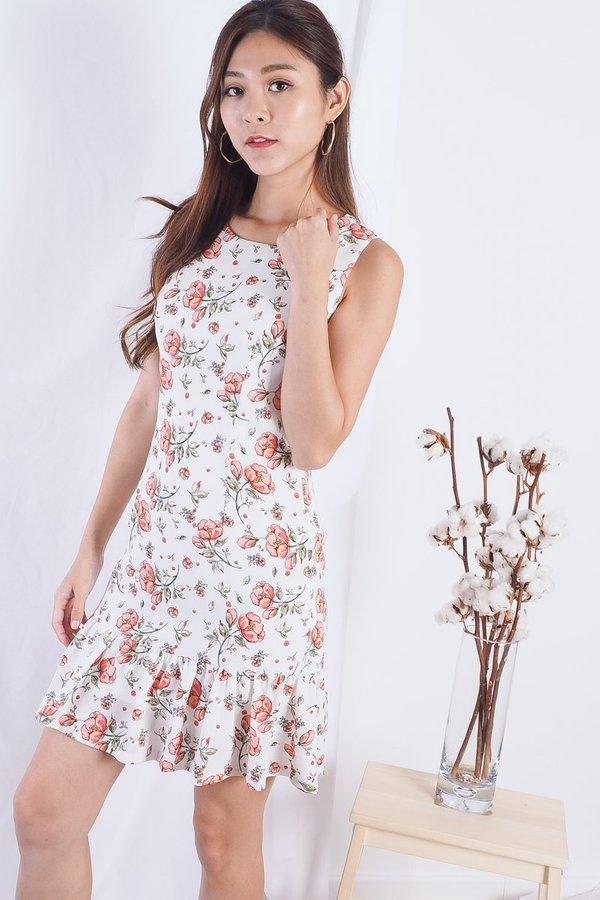 Laurentina Sweet Fleur Dress in White [M]