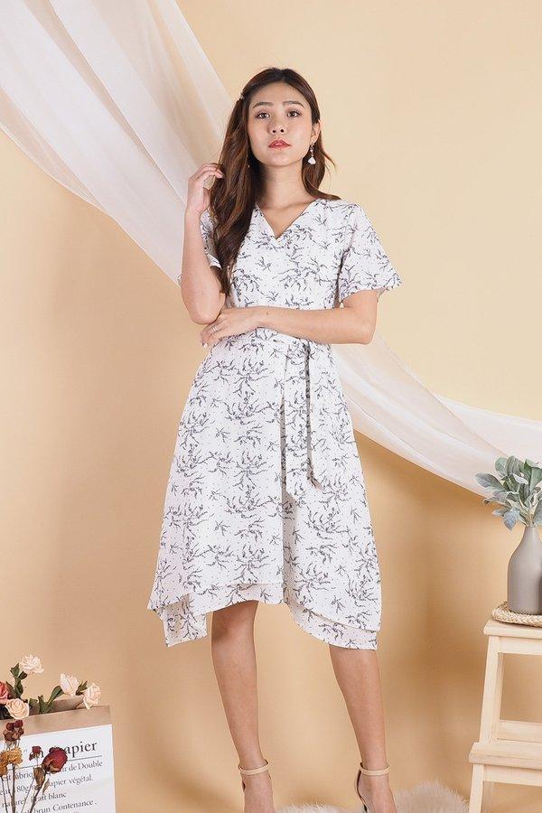 Wenona Double Hem Sleeved Dress in White [L]