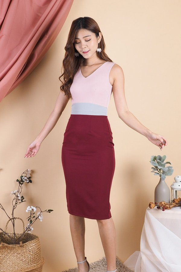 Fathia Bodycon Colourblock Work Dress in Pink/Wine [M]