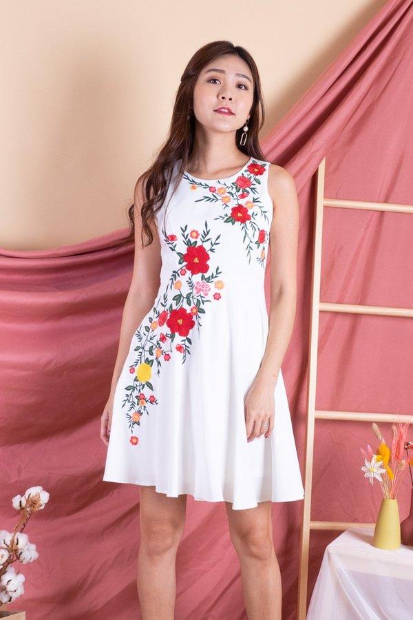 Jeseray Bloom Embroidery Skater Dress in White
