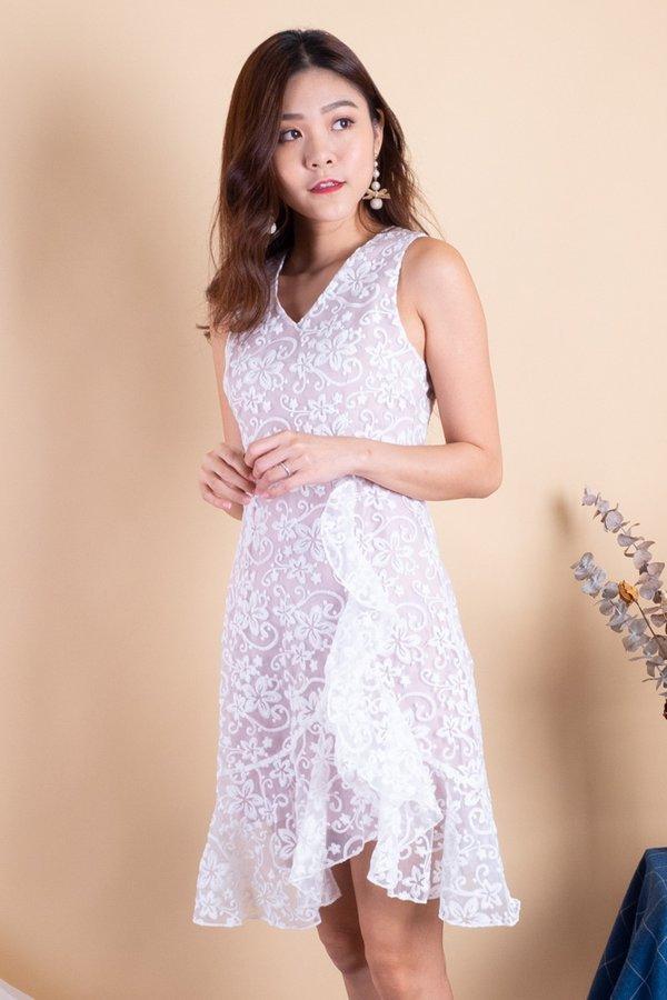 Rea Organza Embroidery Dress in White