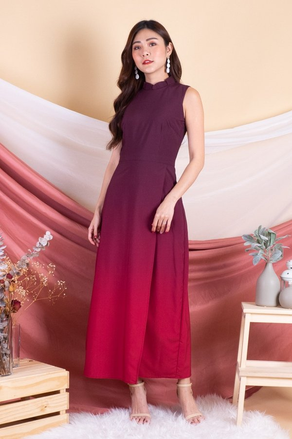 Celestyn Removable Collar Ombre Maxi Dress in Maroon/Red