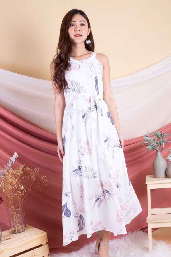 Phyllis Floral Maxi Dress in White [L]