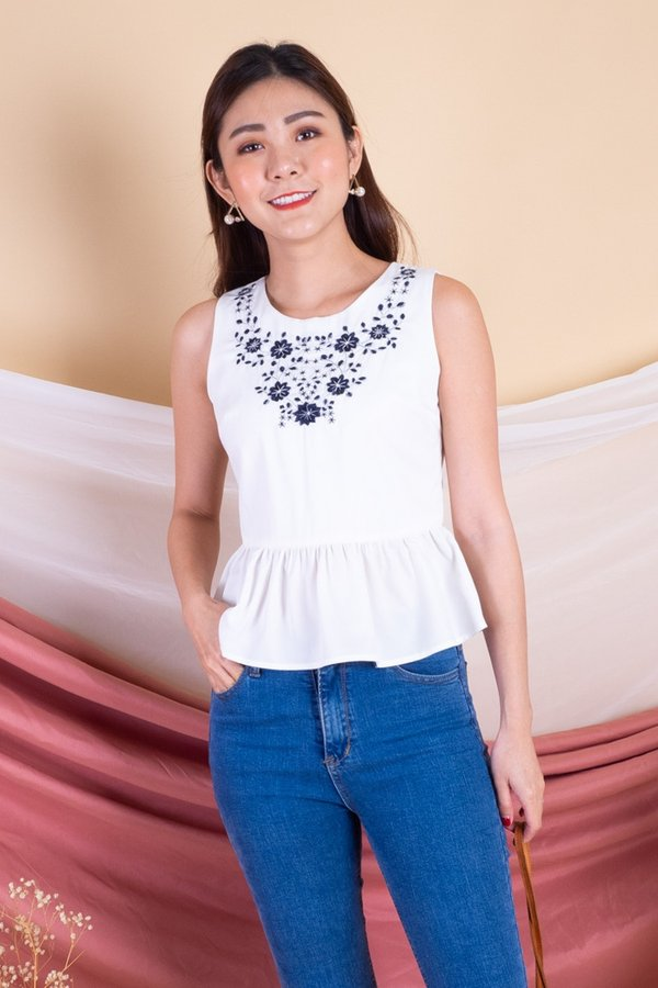 MADEBY3INUTE - Yue Embroidery Peplum Top in White