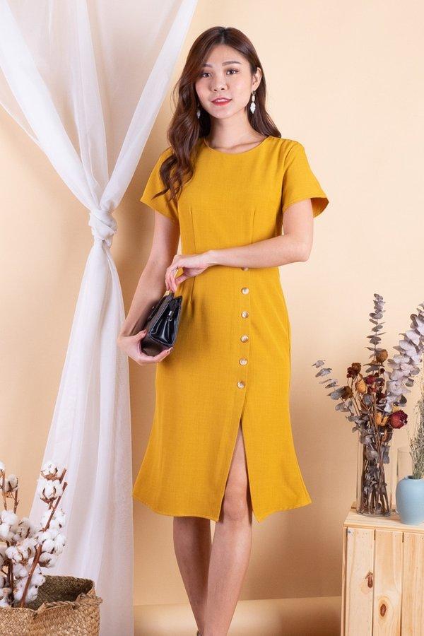 Lara Buttons Down Slit Sleeved Dress in Mustard [M]