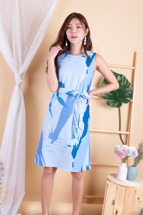 Edee Abstract Sheath Dress in Blue Abstract