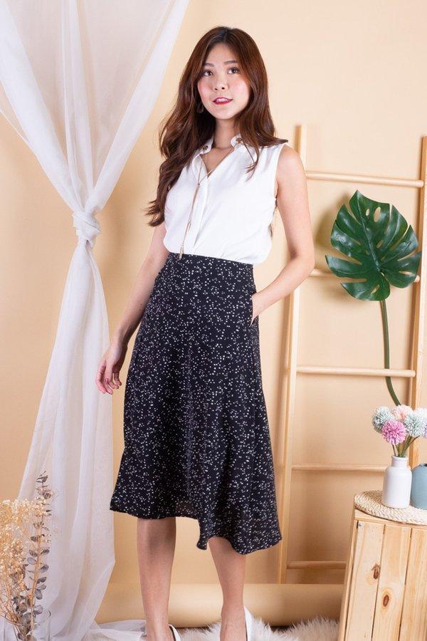Airi Buttons Print Slit Skirt in Black