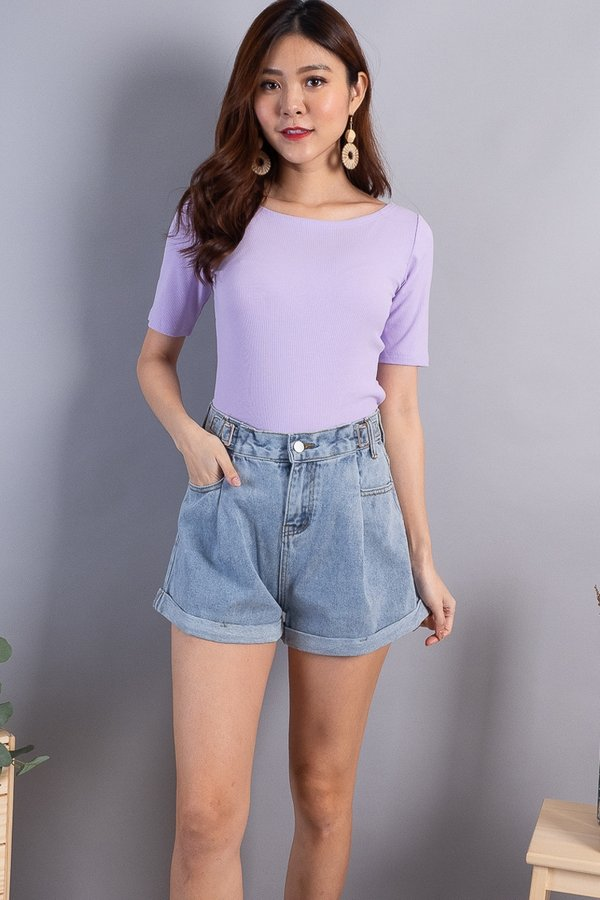 Daere Basic Ribbed Boatneck Top in Lilac