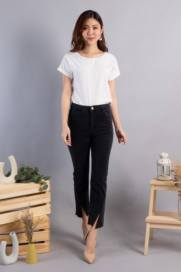 BACK IN STOCK Carlson Straight Cut Jeans in Black