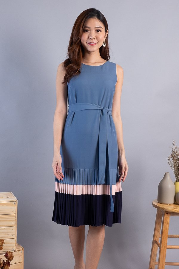Letty Colourblock Pleated Hem Dress in Ash Blue