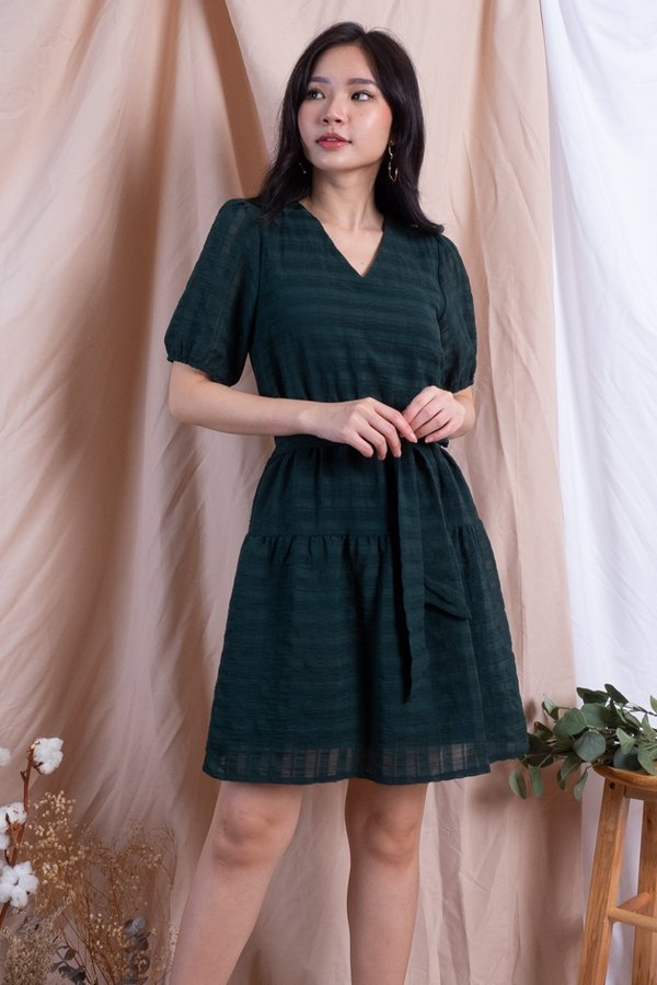 Canyon V Neck Waist Tie Dress in Forest