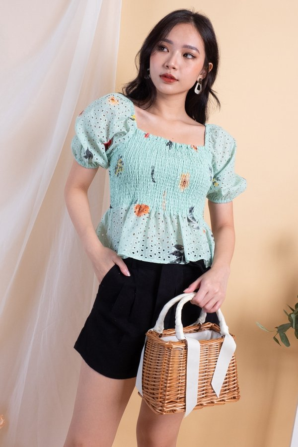 Bellona Eyelet 2-Way Smocked Top in Mint [XS]