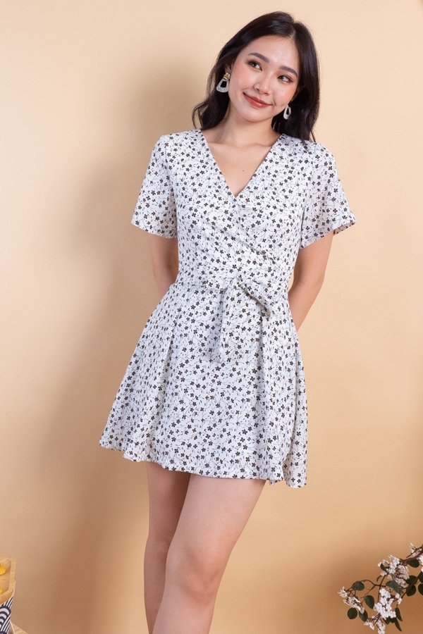 MADEBY3INUTE Carmel Romper Dress in White Florals