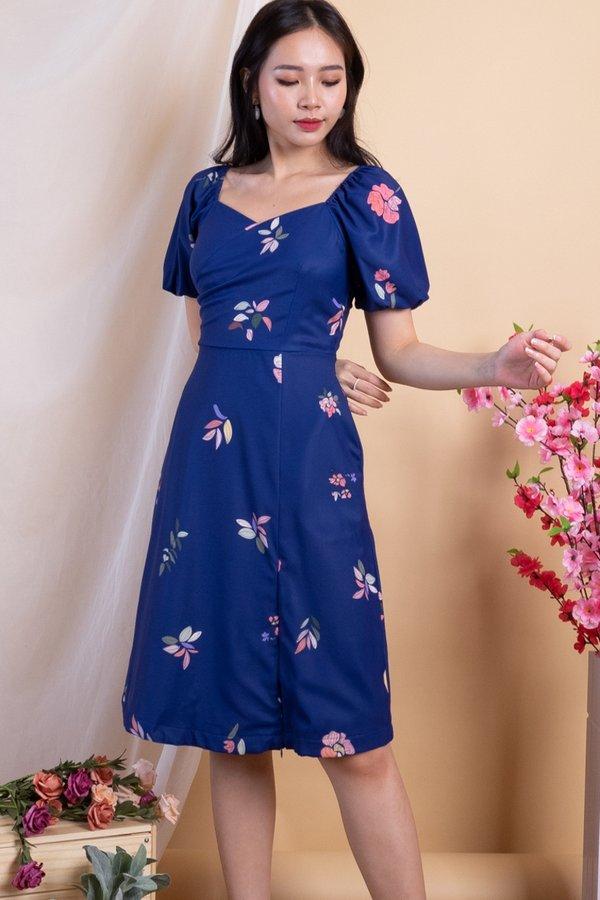 Kalle 2-Way Wrap Zip Hem Midi Dress in Navy Florals