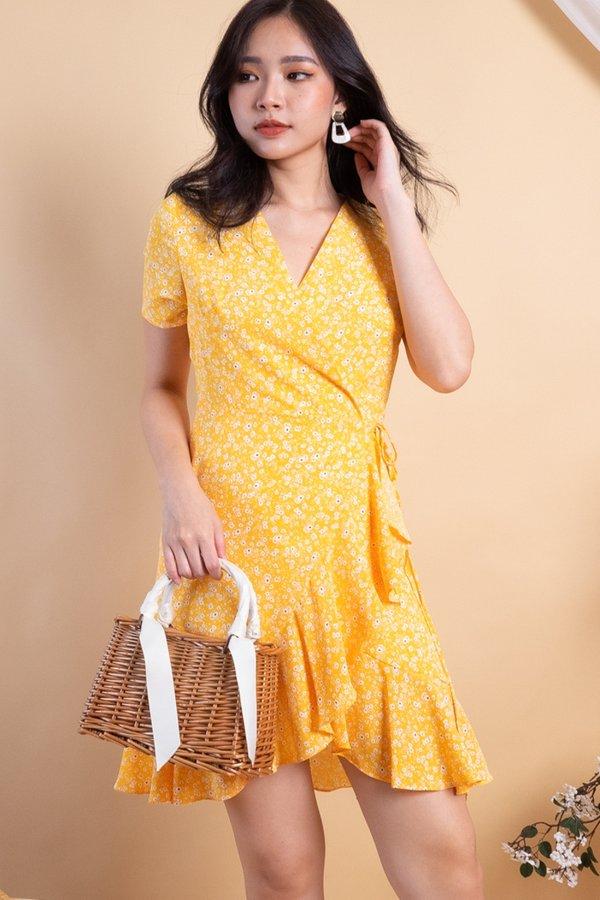 Machelle Ruffles Wrap Dress in Yellow Florals [M]