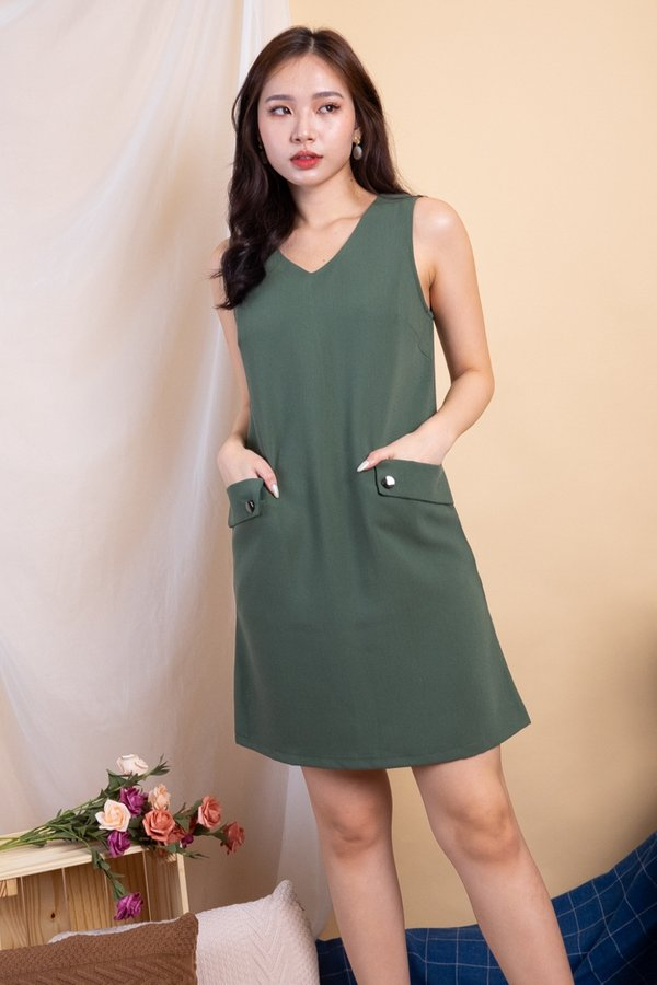 Bonni Double Pockets Shift Dress in Army Green