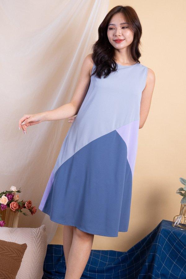 Tashia Abstract Reversible Dress in Grey Blue