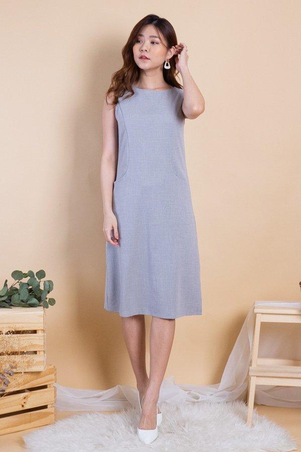 Latina Duo-Pockets Panel Dress in Dove Grey