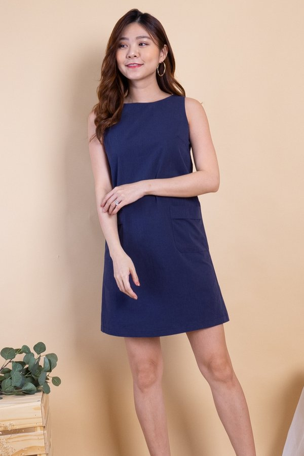 Naylor Double Pockets Shift Dress in Navy