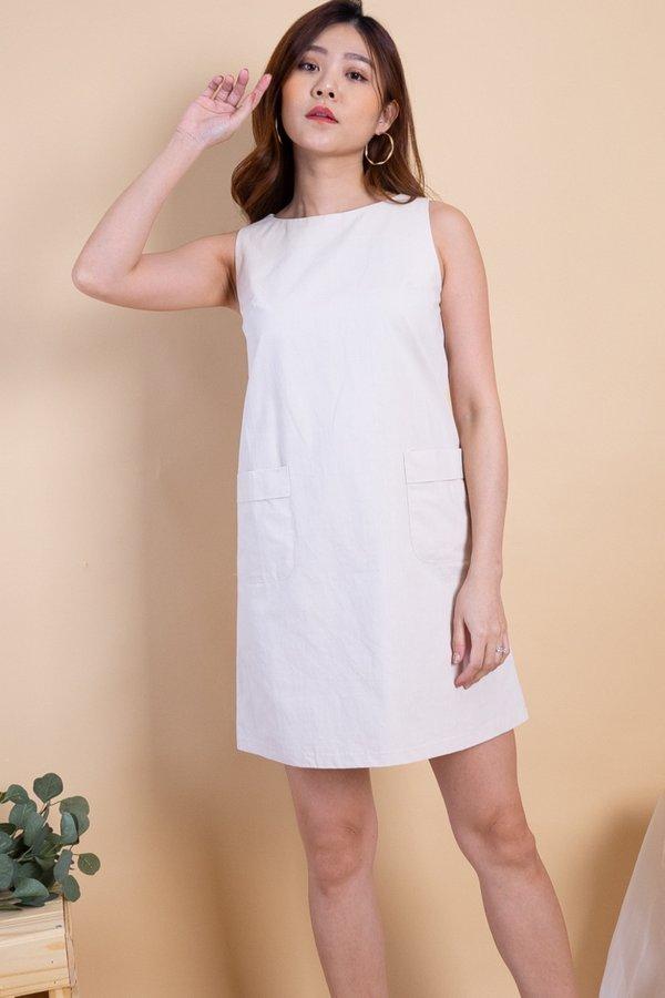 Naylor Double Pockets Shift Dress in Ercu