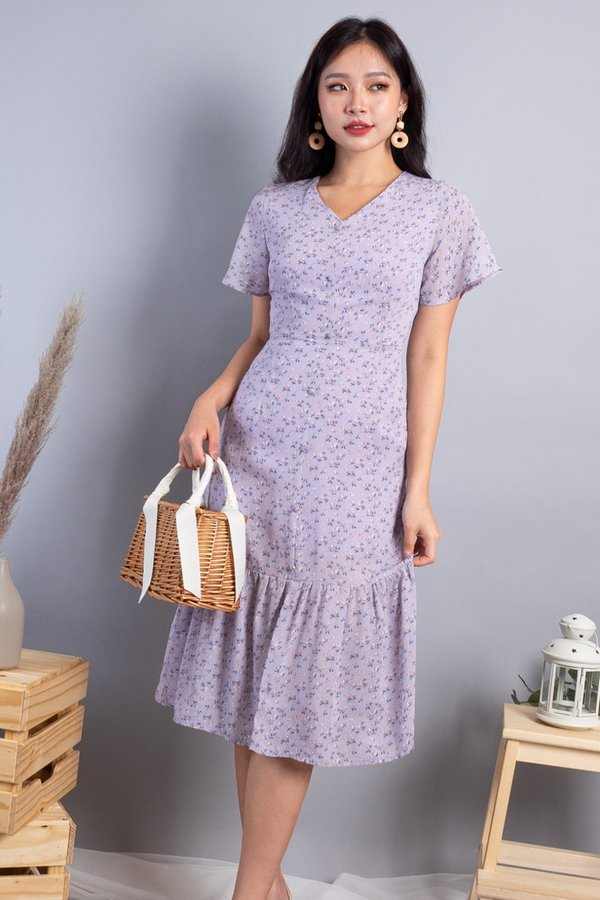 Daphne Buttons Down Mermaid Hem Dress in Lilac Florals