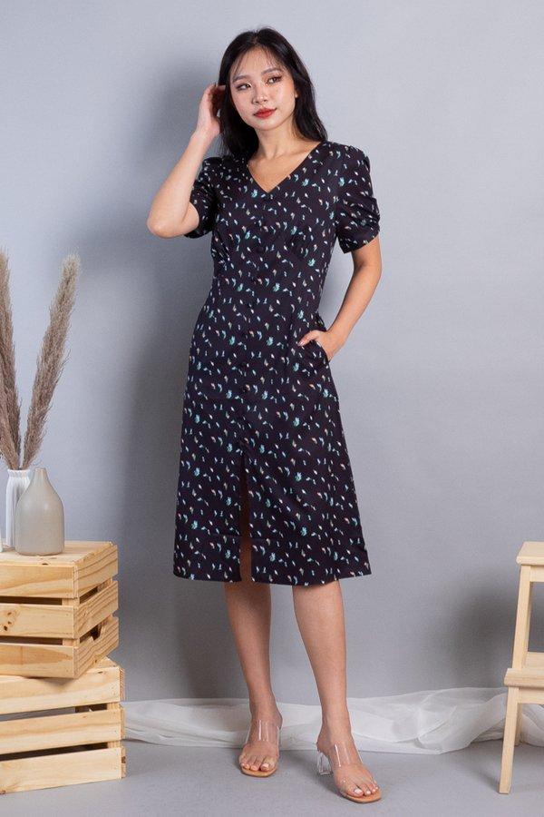 Maeryn Buttons Down Midi Dress in Black Florals