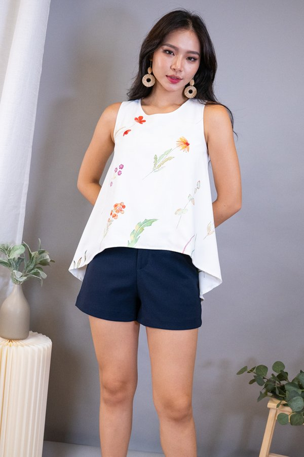 Yura Reversible Hi-Lo Top in White Florals/White Leaves